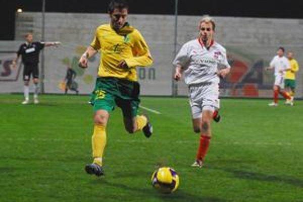 O poslednom víťazstve Žiliny rozhodol v sobotu proti Zlatým Moravciam Admir Vladavič (vľavo).