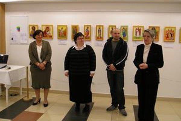 Martin Gacík na otvorení výstavy Okná do neba, ktorú organizoval Klub muzálnej a galerijnej spoločnosti z Bytče.