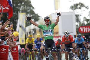 Peter Sagan sa raduje z víťazstva v 5. etape na Tour de France 2018.