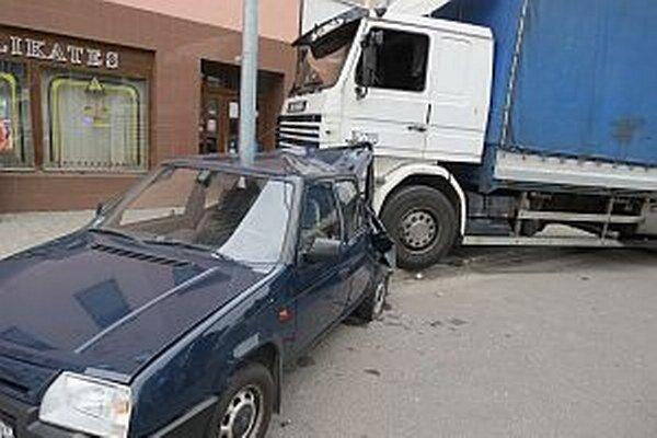 Kamionista nezvládol riadenia. Mal viac ako tri promile.
