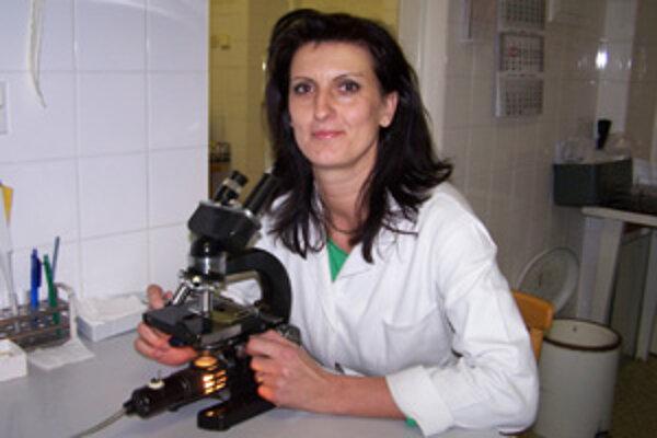 Doktorka Iveta Bajtošová z Bytče sa obáva, že na konkurenčný boj medzi laboratóriami zbytočne doplatí pacient.