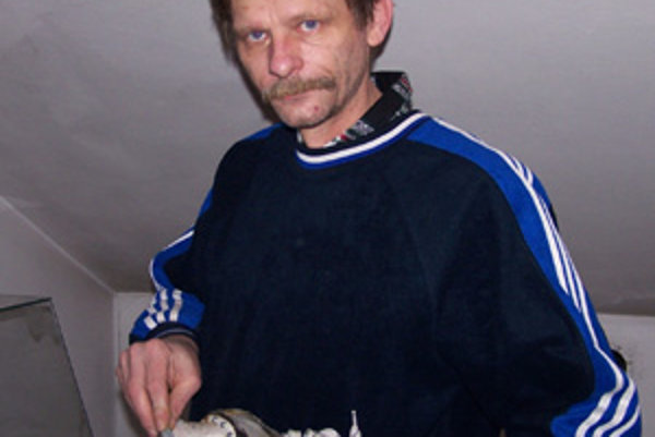 Miroslav Horecký brúsi korčule pre hokejistov už viac ako štyri roky.