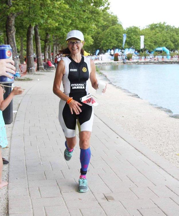 Jana Baronová strávila na trati takmer 16 hodín, ale preteky si užívala.