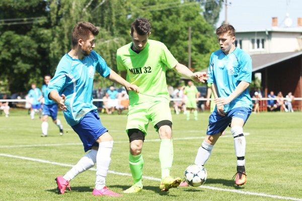 Futbalisti Vlčian na jar zaznamenali 13-zápasovú sériu bez prehry. Snímka je zo zápasu v Hornom Ohaji.