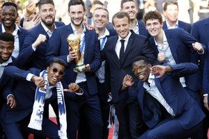 Francúzi oslavujú titul v Paríži.
