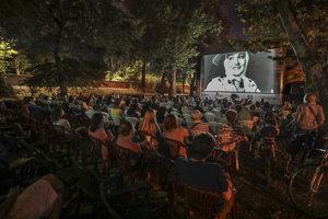 Premietanie v kine Bažant Kinematograf na Magio pláži