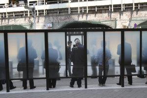 Zákon obmedzí fajčenie vo verejných budovách.
