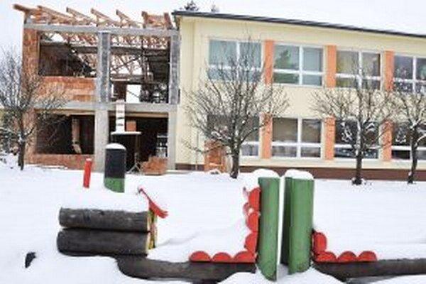V Mútnom s prístavbou materskej školy už začali.