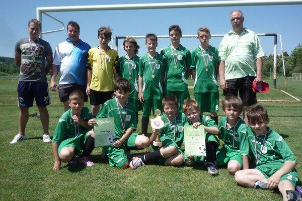 Mladší žiaci Dlhej sa stali víťazmi finálového turnaja.