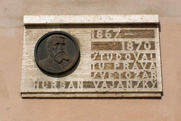 Jedným zo študentov na Kráľovskej právnickej akadémii bol aj Svetozár Hurban Vajanský.