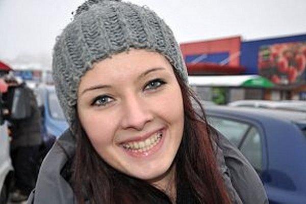 S úsmevom je svet krajší. Alena Srogoňová predvianočný stres nemá.