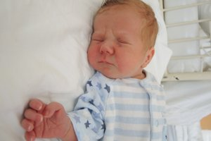 Lukáš Zelenka (3180 g, 49 cm) sa narodil 14. júla Jane a Petrovi z Trenčína. Doma majú 2,5 ročného Mareka.