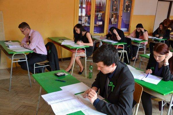 Maturita zo slovenského jazyka a literatúry na Strednej odbornej škole obchodu a služieb.