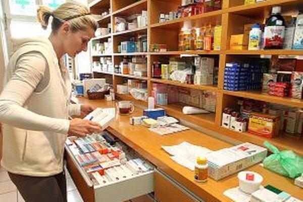 V lekárňach bude mať hlavné slovo farmaceut. Sieťovým lekárňam sa to nepáči.