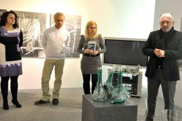Jozef Malý (vľavo) sa predstavil kresbami.