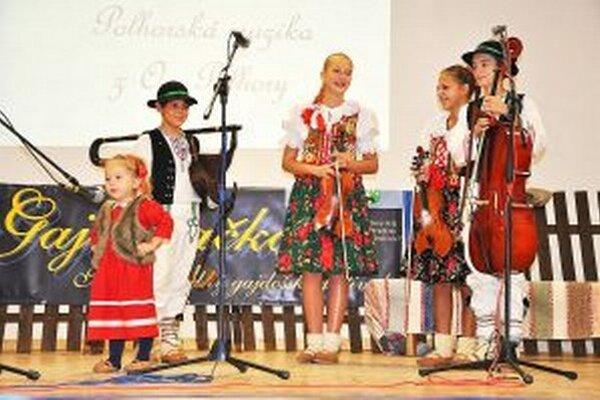 Polhorská muzika zložená z miestnych detí mala úspech.