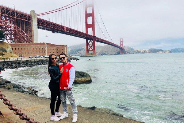 Noro so snúbenicou Monikou na potulkách po USA.