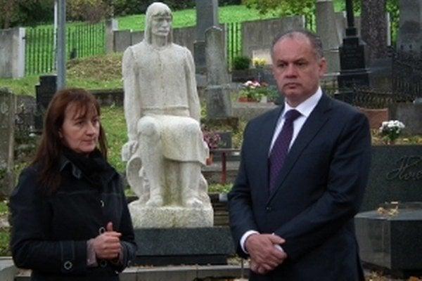 Na historickom cintoríne sa prezident Andrej Kiska pristavil pri hroboch významných osobností.
