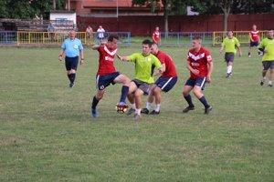 Vo finále hralo Pruské (v červenom) proti Hornej Porube.