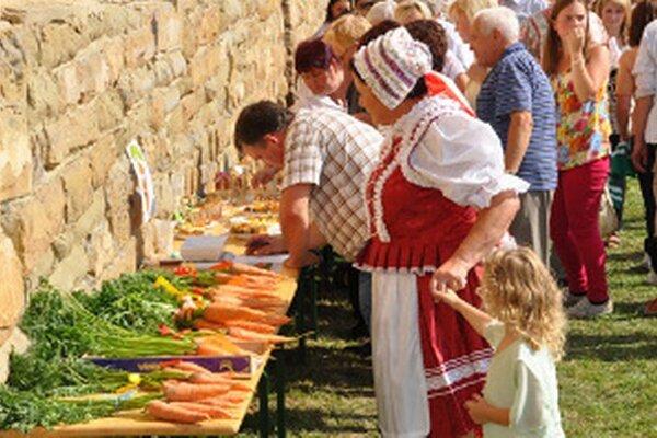 V bedekri nechýbajú ani obecné slávnosti, ktoré Pribišania, čiže Mrkvári, organizujú koncom augusta.