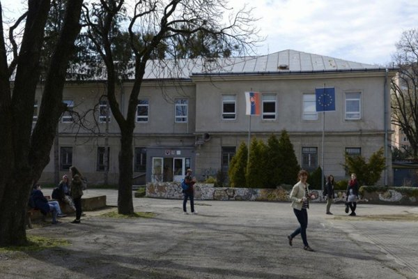 Košická Škola úžitkového výtvarníctva.