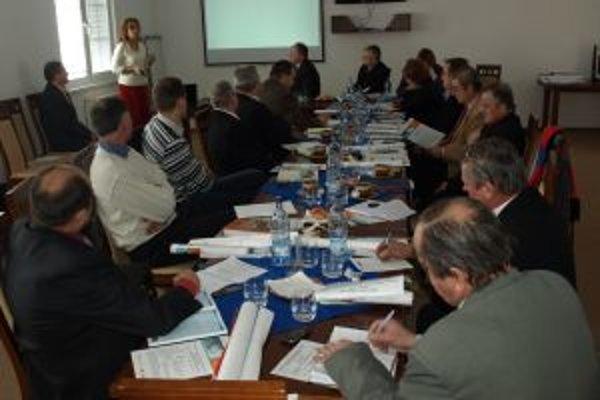 Hornooravskí starostovia sa na zasadnutiach ZMOHO stretávajú 8 až 10-krát ročne.