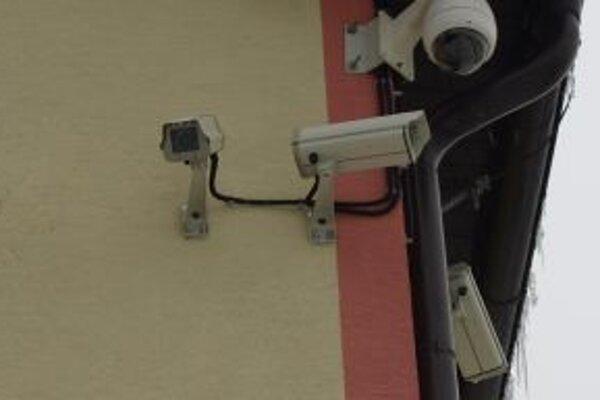 Centrum obce už monitoruje šesť kamier.