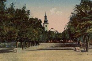 Kostolné námestie kedysi.