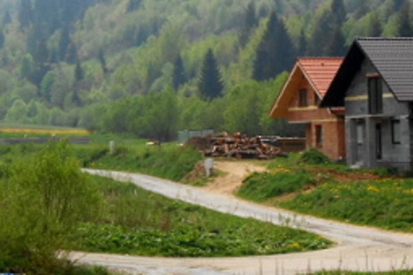 Aj v Zábiedove, v lokalite Hrady výšné, je zámer urobiť jednoduché pozemkové úpravy.