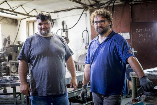 Martin a Miroslav Polohovci, kováči a majitelia umeleckého kováčstva Ukovmi v Kanaši pri Prešove.