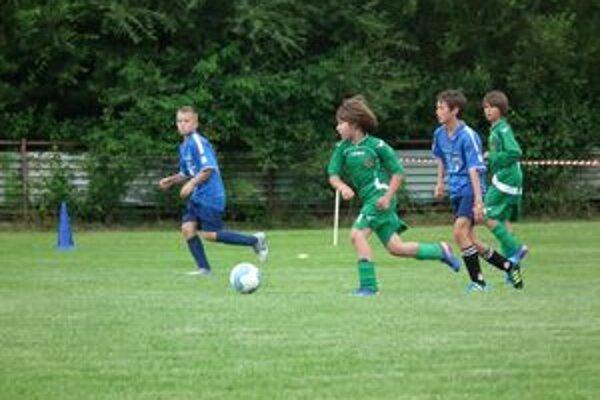 Prvé dva tímy Námestovo a Istebné už v základnej skupine ukázali dobrý futbal.
