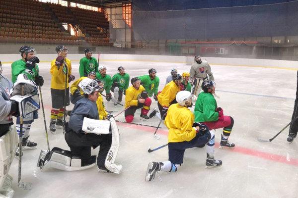Hokejisti Levíc už začali sprípravou na ľade.