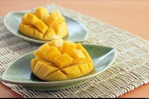 Jedno stredné mango obsahuje necelú štvrtinu dennej dávky vitamínu A.
