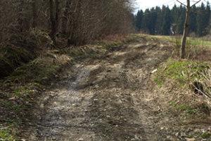 Len máloktorá obec má poľné cesty na liste vlastníctva.
