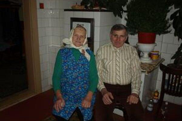 Šťastné manželstvo, v ktorom vychovali tri deti a tešia sa z 11 vnúčat a 6 pravnúčat, im trvá až dodnes.