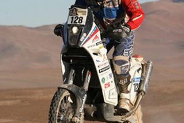 Štefan Svitko si jazdu na Dakare užíva.