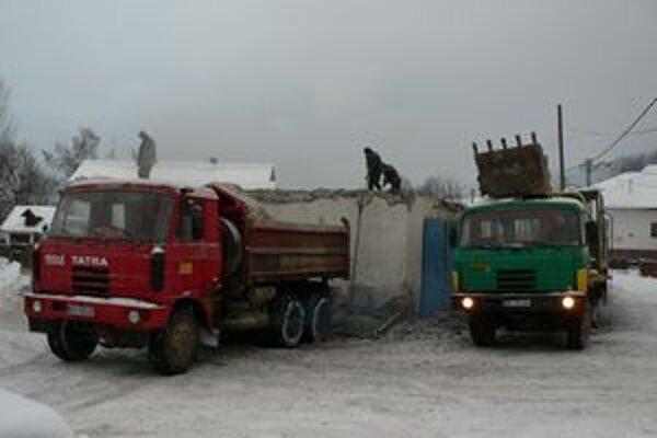 Medzibrodie opravuje starú budovu hasičskej zbrojnice. Po rekonštrukcii z nej bude aj miesto na spoločenské akcie.