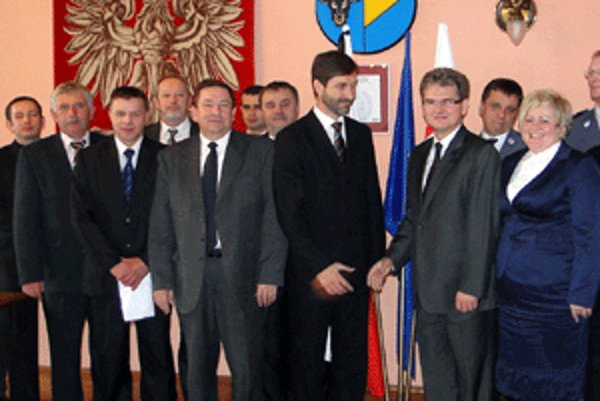 Účastníci rokovania v Žiwci.