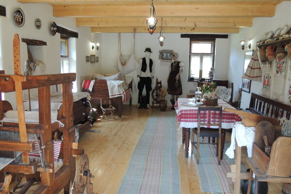 Múzeum pripomína život na dedine kedysi.