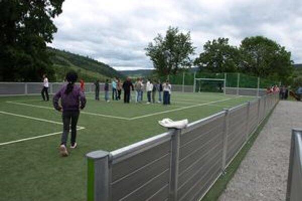 Školáci nové športovisko naplno využívajú od jeho dokončenia.