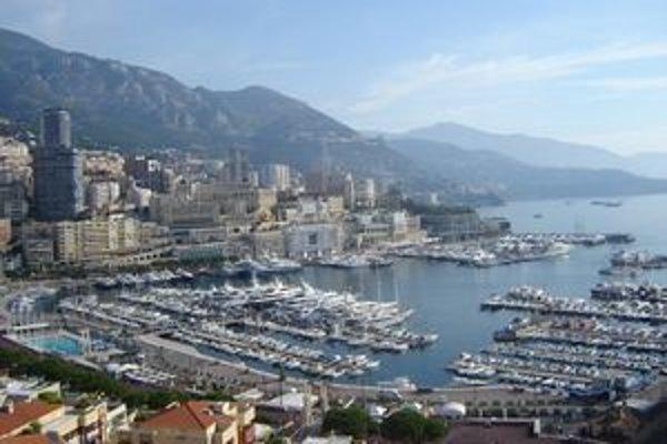Monacký prístav.