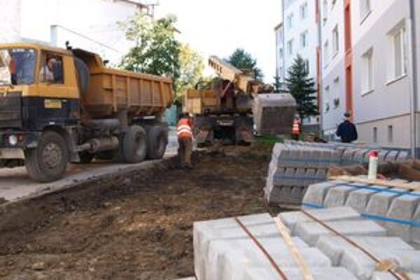 Stavebné práce potrvajú do polovice novembra.