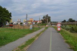 Cyklistický chodník je taktiež uzavrený.