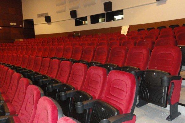 Nové sedadlá.