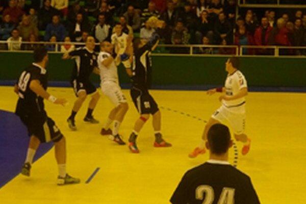 Topoľčany doma viedli už o šesť gólov, napokon sa ale z výhry tešili hostia.