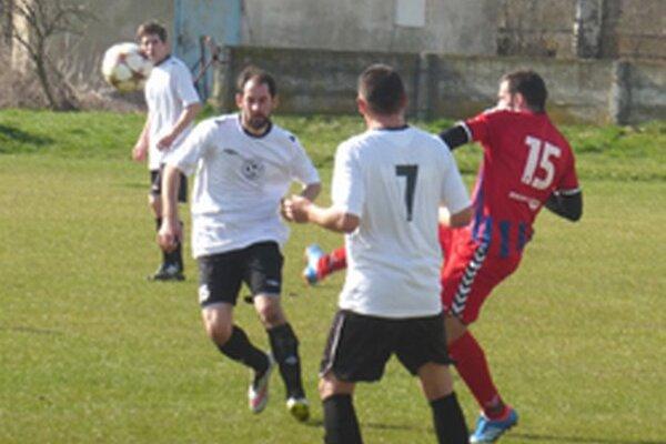 Bošany v minulom kole porazili doma Horovce presvedčivo 3:0.