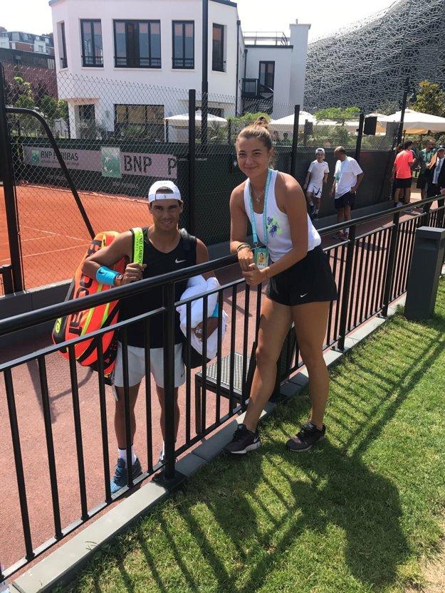 Slovenskej tenistke ochotne na spoločnú foto zapózoval aj Rafael Nadal.