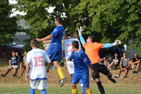Veľké Bedzany v nedeľu doma uhrali remízu 0:0 so Solčanmi.