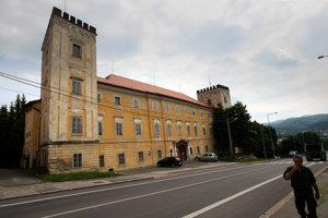 Poslanci podporili snahu mesta o odkúpenie kaštieľa.