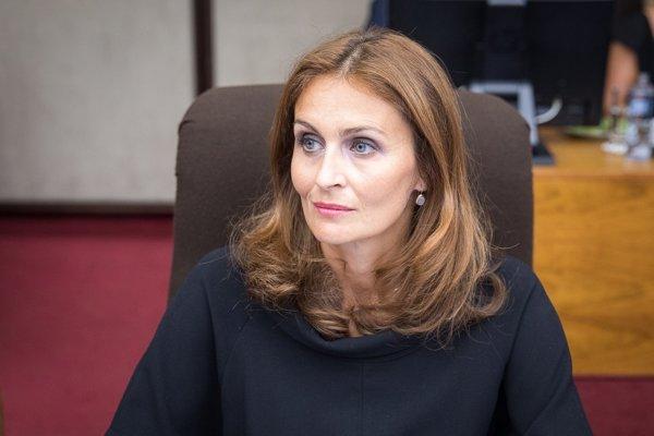 Ministerka Kalavská.